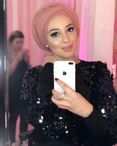 Mode Turban, Turban Hijab, Hijab Bride, Pakistani Wedding Dresses, Nigerian Weddings, African Weddings, Pashmina Hijab Tutorial, Hair Wrap Scarf, Head Scarf Styles