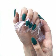 Simple Line Nail Art Designs You Need To Try Now line nail art design, minimalist nails, simple nails, stripes line nail designs Minimalist Nails, Matte Nails, My Nails, Prom Nails, Stiletto Nails, Coffin Nails, Acrylic Nails, Uñas Diy, Line Nail Art