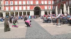 Dutch disgrace: Soccer fans throw coins at female Roma (VIDEO)  http://pronewsonline.com  ©Diario AS