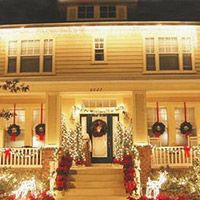 Houses with porches would be so nice to have esp to decorate for the seasons!