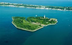 Poveglia, a small, uninhabited island in the Venice lagoon. Up for action right now (May 2014)