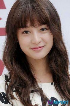김지원 / Kim Ji Won Korean Actresses, Korean Actors, Korean Star, Korean Girl, Korean Celebrities, Celebs, New Korean Drama, Kim Ji Won, Chinese Actress