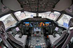 En el interior de la cabina de un Boeing 787