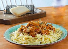 Ξεκινάμε το κοτόπουλο με χυλοπίτες Greek Recipes, Meat Recipes, Recipies, Food Categories, Everyday Food, Lunch Time, Macaroni And Cheese, Spaghetti, Menu