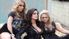 Pistol Annies - Hell On Heels (Official Video) Country Music Videos, Country Music Artists, Country Songs, Ashley Monroe, Elle King, Pistol Annies, Country Hits, Miranda Lambert, Sexy Jeans