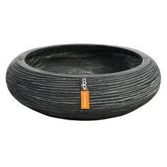 Pot Bol rond strié en polyester, noir Ø 49 x H. 14 cm http://www.truffaut.com/produit/pot-bol-rond-strie-en-polyester-noir-49-x-h-14-cm/191152/25253#descriptif