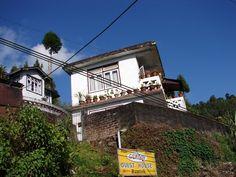 #magiaswiat #podróż #zwiedzanie #sikkim #blog #azja #zabytki #swiatynia #indie #miasto #aszram #ganges #budda #lingdum #gantok #rumtek #klasztor #temple #stupa #gompaEnohey #chorten #instytutnamgya #gompadodrul #klasztor #dharmaczakracenter Budda, Chakra, Indie, Blog, Chakras, Blogging