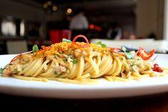 Spaghetti alla chitarra aglio, olio e peperoncino with crab and bottarga Aglio Olio, Lunch Menu, Spaghetti, Appetizers, Restaurant, Business, Ethnic Recipes, Desserts, Food