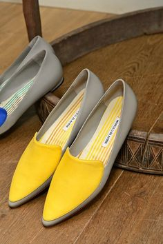 Manolo Blahnik Shoes 2014 - Spring/Summer Shoes 2014 Collection - Pretty Designs - - Manolo Blahnik Shoes 2014 – Spring/Summer Shoes 2014 Collection – Pretty Designs Source by ionelapetrisor Source by brandedfashiondesignerswomen de mujer cerrados Spring Shoes, Summer Shoes, Zapatos Manolo Blahnik, How To Have Style, Shoes 2014, Cute Flats, Fashion Heels, Dream Shoes, Beautiful Shoes