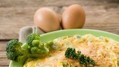 Brokolica vo vaječnej omelete Broccoli, Vegetables, Food, Omelet, Meal, Essen, Vegetable Recipes, Hoods, Meals