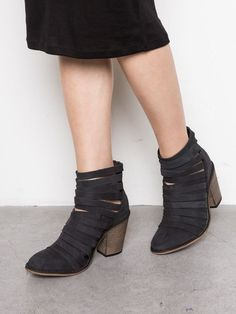 $89 Free People Boot Hybrid Heel - Black - Size 37 - New In Box | Clothing, Shoes & Accessories, Women's Shoes, Boots | eBay!
