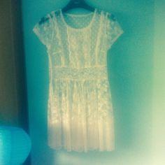 White lace vintage mini skater shaped dress by Makenzievelvet on Etsy Love love love this vintage lace dress