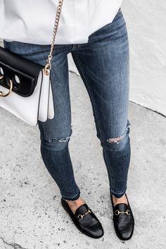 Minimalist fashion inspiration: Spring - Loafers Outfit - Ideas of Loafers Outfit - Spring minimalist fashion inspiration Fashion Mode, Moda Fashion, Fashion Outfits, Womens Fashion, Fashion Tips, Fashion Design, Fashion Trends, Fashion Basics, Fashion Bloggers