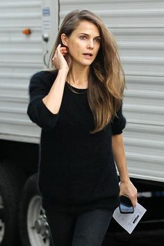 that girl? Keri Russell goes undercover in a bad wig and frumpy outfit for new spy series Keri Russell - also great skin without makeup!Keri Russell - also great skin without makeup! Keri Russell Hair, Keri Russell Style, Elizabeth Jennings, Bad Wigs, Celebs Without Makeup, Trendy Hairstyles, Girl Crushes, Fashion Beauty, Celebrity Style