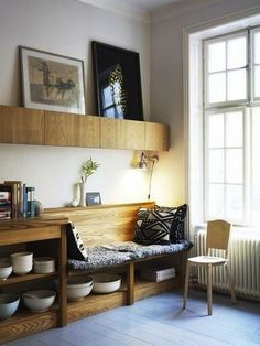 built-in bench seating windows kitchen banquette wood grain architecture home interior house design Home Interior, Interior Architecture, Kitchen Interior, Interior Decorating, Kitchen Designs, Modern Interior, Kitchen Nook, Kitchen Seating, Kitchen Storage