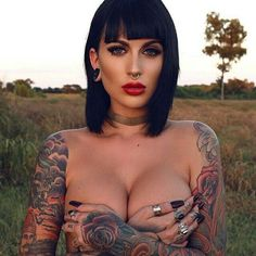 Hot women with tattoos. (6)