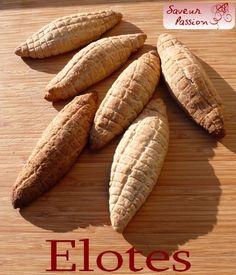 Les épis de maïs ou elotes sont des grignotages courants au Mexique , souvent achetés auprès de marchands ambulants et dégustés dans la rue. A partir de ce street food à la mexicaine sont nés un genre de biscuit à base de pâte levée, fourré de garniture...