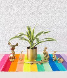 Rainbow Table Runner DIY  | www.bocadolobo.com #bocadolobo #luxuryfurniture #exclusivedesign#interiodesign #designideas
