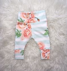 Baby Girl Leggings, Newborn Outfits, Etsy Shop, Trending Outfits, Handmade Gifts, Floral, Shopping, Vintage, Fashion