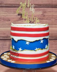 Stars and Stripes Patriotic Fault Line Cake | 15+ Fault Line Cakes that WOW! Click over to Rose Bakes to see several designs of the trendy Fault Line Cakes that are so popular right now! #faultline #faultlinecakes #cake #faultlinecake #4thofjuly #july4th #starsandstripes #redwhiteandblue