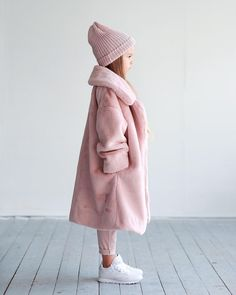 Photo via: Miko Kids Shop similar looks below: This winter there's so many on trend faux fur options for your mini fashionista. One thing we… Little Girl Outfits, Little Girl Fashion, Toddler Fashion, Fashion Kids, Toddler Outfits, Look Fashion, Cheap Fashion, Fashion Clothes, Kids Fashion
