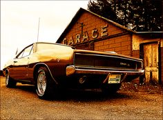 1968 Dodge Charger R/T - Garage