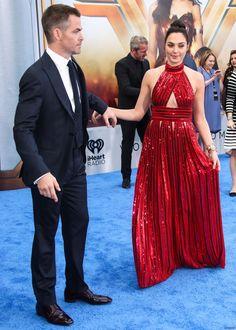Gal Gadot and Chris Pine