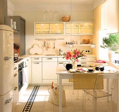 This kitchen has some great functions.