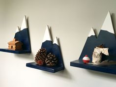 Set of 3 Small Mountain Wall Shelf от LandingsByNikki на Etsy