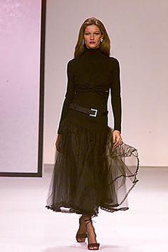 Valentino Fall 2000 Ready-to-Wear Fashion Show - Valentino Garavani, Erin O'Connor