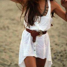 chunky belts+hi-lo dress