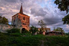 Kornis castle ruins, Romania - Photography by Arpad Laszlo