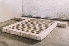 New oak wood bedroom furniture bed frame Ideas Handmade Wood Furniture, Rustic Bedroom Furniture, Rustic Bedding, Reclaimed Wood Furniture, Bed Furniture, Industrial Furniture, Industrial Apartment, Platform Bed Designs, Bed Frame With Storage