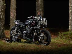 "El Solitario volta ao ataque com a irreverente Yamaha XJR1300 ""Big Bad Wolf"""