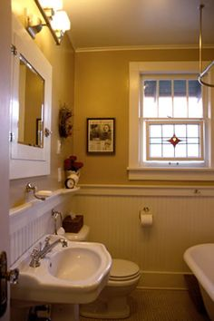 Bungalow bathroom ideas what i really want to do with the bathroom with green walls or blue