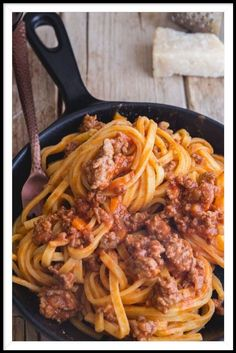 This delicious Authentic Bolognese Sauce or Ragu alla Bolognese is made with few ingredients and lots of patience. A true Bolognese takes time, but it is so worth it. Sauce Recipes, Pasta Recipes, Beef Recipes, Cooking Recipes, Polenta Recipes, Ramen Recipes, Meatball Recipes, Yummy Recipes, Ragu Bolognese