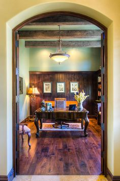 Home office design -- rustically handsome!