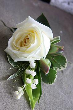 Flower Design Buttonhole & Corsage Blog: Gorgeous Avalanche Rose Groom's Special Boutonniere