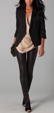 Look balada - calça preta de couro