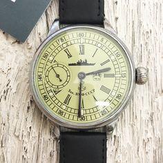 Vintage Russian Wind-Up Watch. Unique Vintage, Vintage Men, Vintage Clocks, Vintage Watches Uk, Ships Clock, Retro Table Lamps, Unique Home Decor, Home Decor Accessories, Gifts