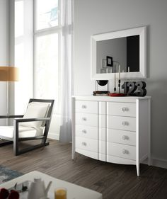 """""""LA CÓMODA... EL REGRESO DE UN CLÁSICO A TU DORMITORIO""""    Las cómodas se han utilizado en nuestros dormitorios desde el siglo XVII. Antiguamente eras muebles bajos con distintos cajones donde se…  http://www.muebleslospedroches.com/la-comoda-el-regreso-de-un-clasico-a-tu-dormitorio/"""