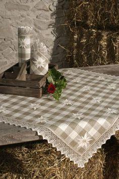 Edelweiss Karo pequeña Mitteldecke 62x62 cm