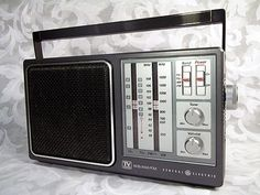 Sold Vintage General Electric GE 7-2945A AM/FM/TV/WEATHER Tabletop Portable Radio