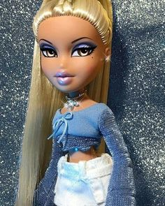 Dolls buildings, all aspects classic wood houses to Barbie Dreamhouses. Dolls buildings, all aspects classic wood houses to Barbie Dreamhouses. Bratz Doll Makeup, Bratz Doll Outfits, Bratz Doll Halloween Costume, Black Bratz Doll, Bratz Pop, Tails Doll, Brat Doll, Bratz Girls, Doll Shoe Patterns