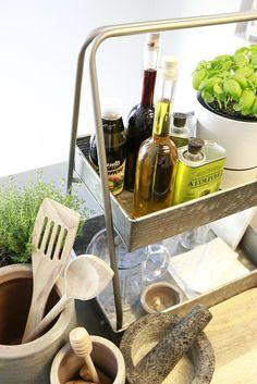 Etagere aanrecht olijfolie