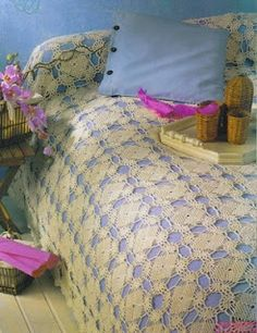 Med size square crochet bedspread with diagrams