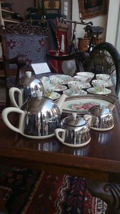 Art deco English Ever Hot cerca tea set