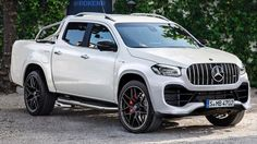 If you're hoping for a hardcore Mercedes-AMG pickup. Mercedes Benz Trucks, Mercedes Benz G Class, Mercedes Benz Cars, Jeep Suv, Jeep Truck, Class 2017, Mercedes Benz Viano, 6x6 Truck, Automobile
