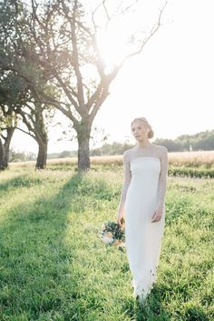 A KISS OF PEACH, bride, bridesdress, flowers - Hellbunt Events Bunt, One Shoulder Wedding Dress, Peach, Bride, Wedding Dresses, Kiss, Events, Flowers, Style