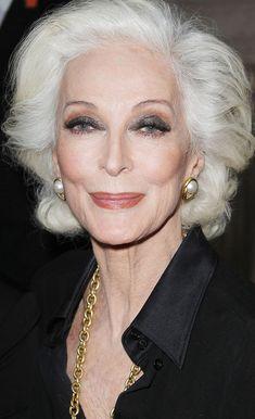 Комментарий хирурга-косметолога в конце статьи. Расследование: Кармен Делль'Орефиче Кармен Делль'Орефиче (CarmenDell'Orefice)84 года и она прекрасна. Как часто, говоря подобное, делают скидку на возраст, на заслуги или просто желая сделать комплимент – все это не о Кармен. Она так красива, что кажется не женщиной, а идеей. Идеей красоты, аристократичности, изящества. Фотошоп? Да, конечно, она ведь модель. […]